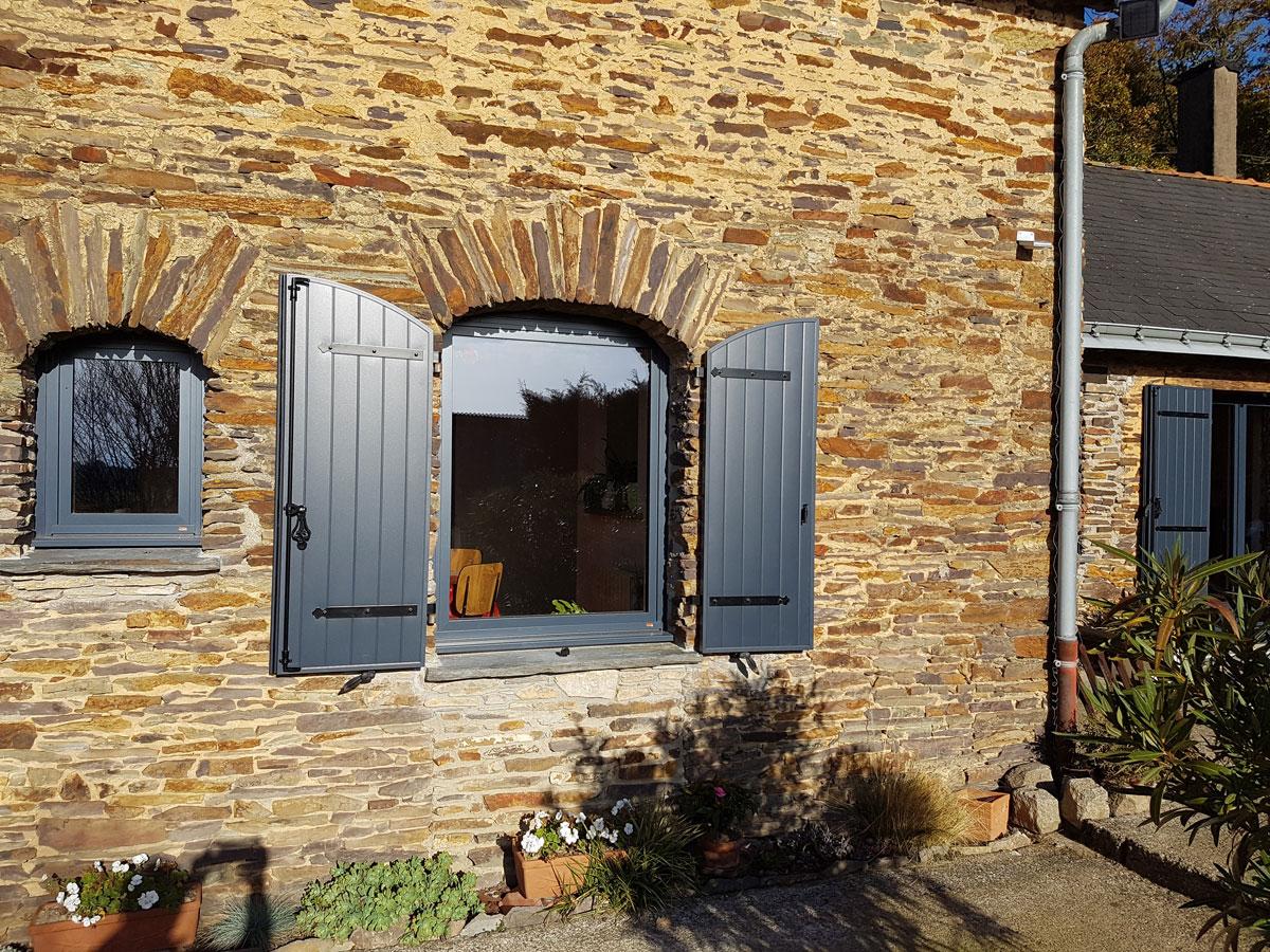 Pose fenêtre - Réalisations fenêtres - Loire Menuiseries Services